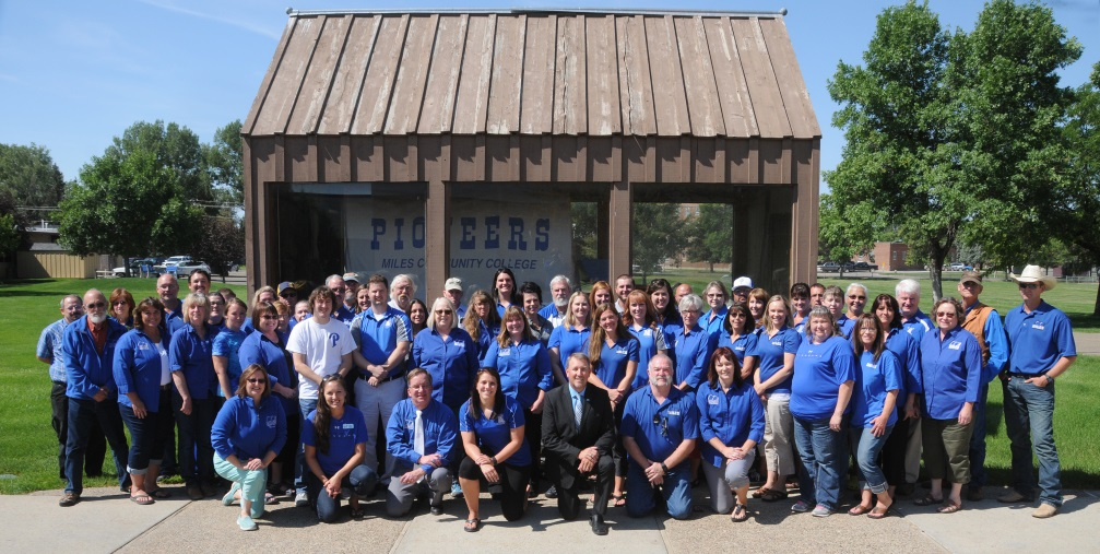 MCC Faculty & Staff Group Photo